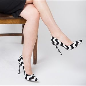 SCHUTZ Black and White Zigzag Pumps, 6B